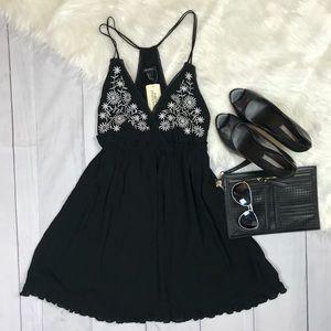Forever 21 Black and White Floral Summer Dress Lrg